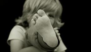 pige med fod