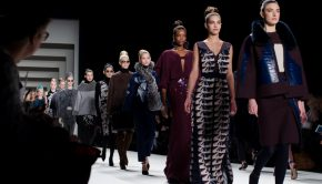 Modetøj online - Følg trenden fra sofaen